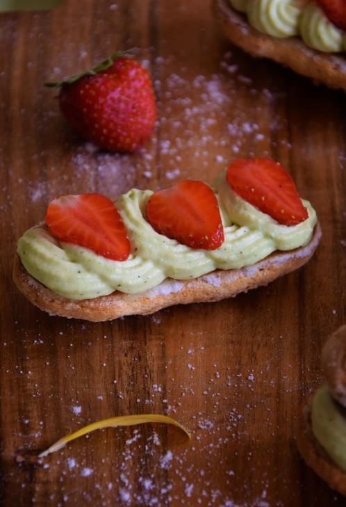 eclair-fraise-pistache