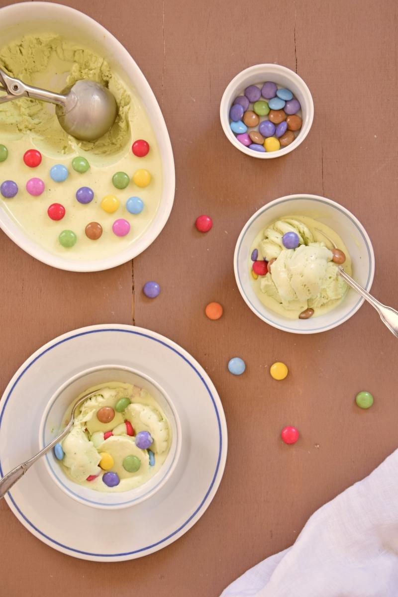 Crème glacée à la pistache & aux Smarties sans sorbetière