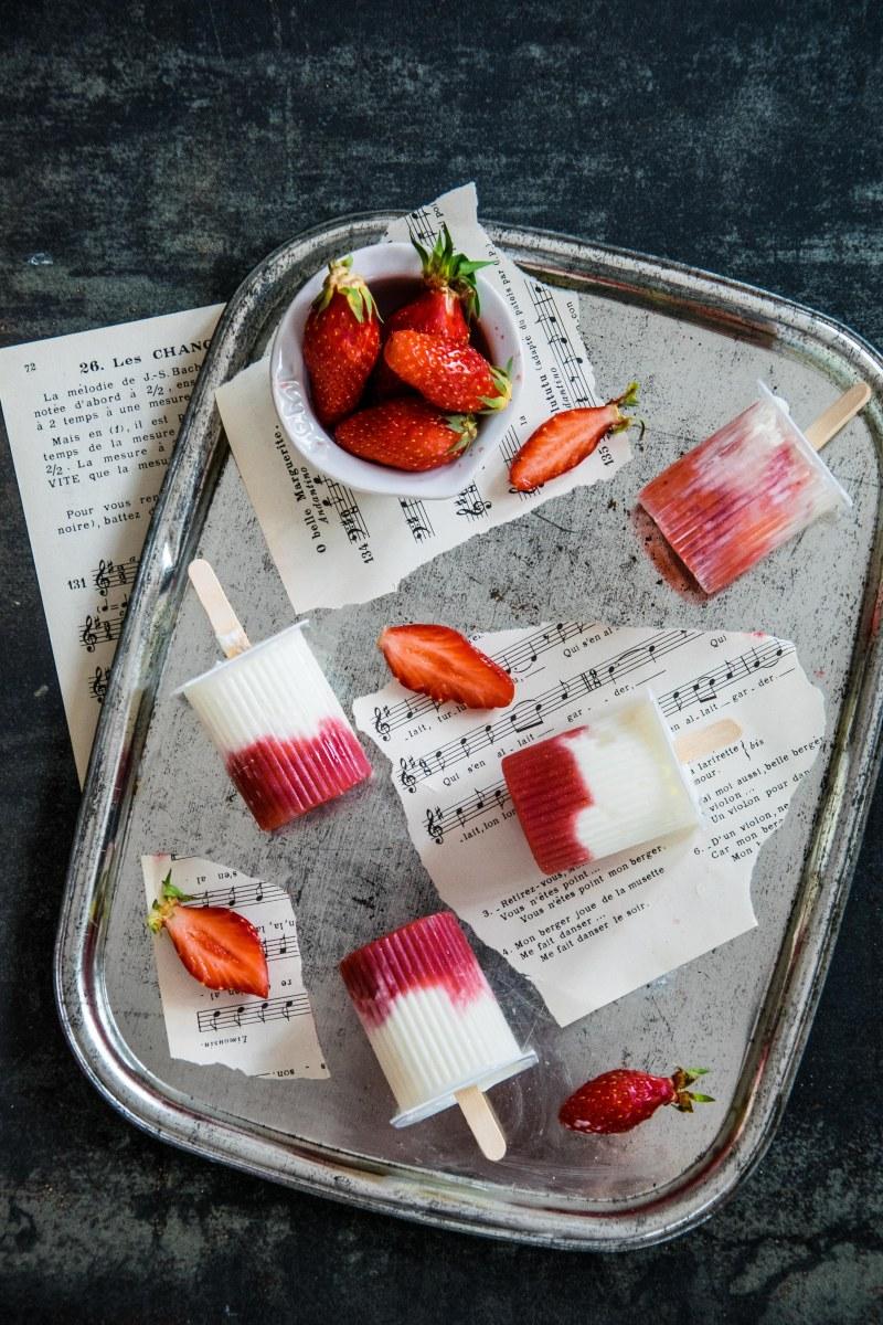 Petits suisses glacés vanille-fraise